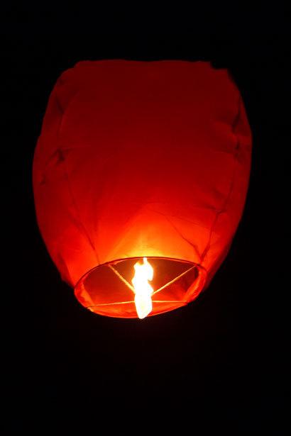 köpa thailändska ljuslyktor